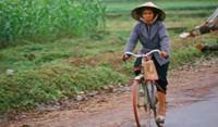 CycleActive vietnam Lady
